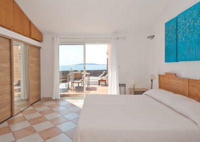 Chambre hotel plage de Cala Rossa
